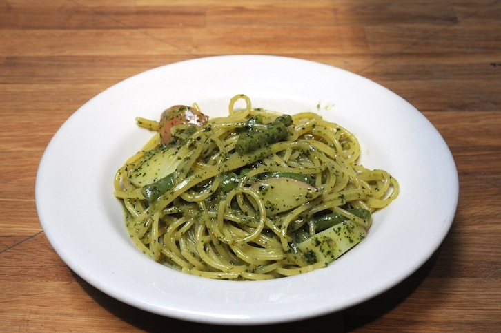 Spaghetti Pesto with Potato & String Beans